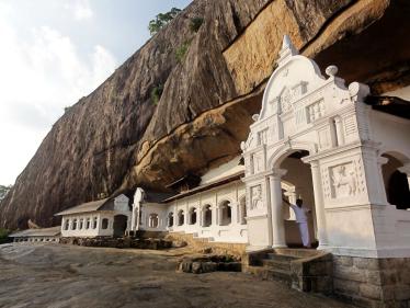 dambulla_cave_temples__sri_lanka